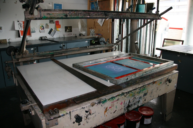 Screen printing bed