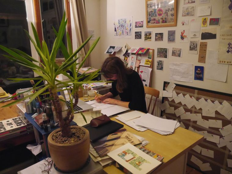 emily-in-her-studio